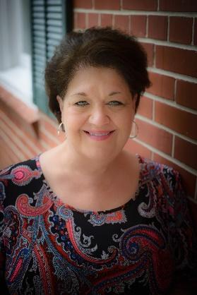 Donna Peavey Headshot